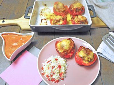 Keto Gevulde paprika met tomatenroomsaus